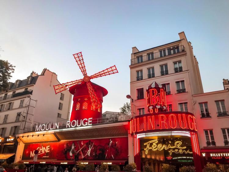 Moulin Rouge a Parigi
