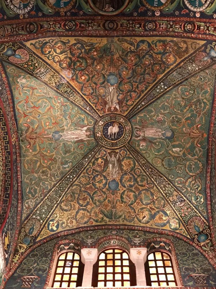 le dôme de la basilique de San Vitale à Ravenne