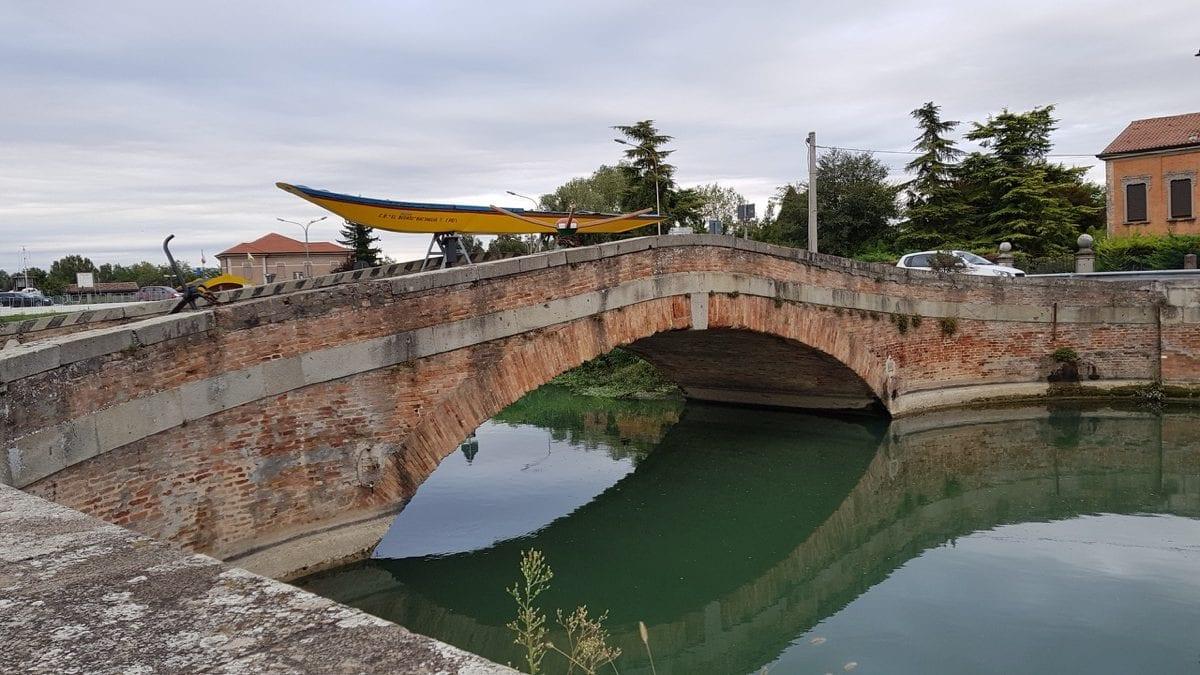 Itinéraire vélo au départ du Colli all'Adige pour découvrir les Collines Euganéennes –