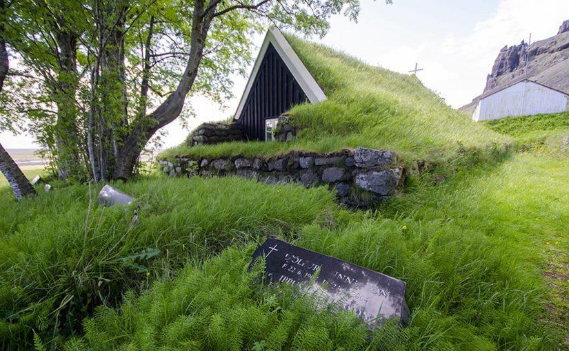 les maisons au toit d'herbe et les 6 endroits à voir -