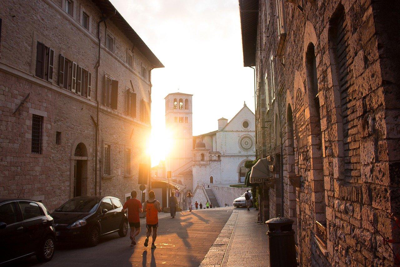 Voyage à travers les villages de l'Ombrie: Spoleto, Assise, Gubbio –
