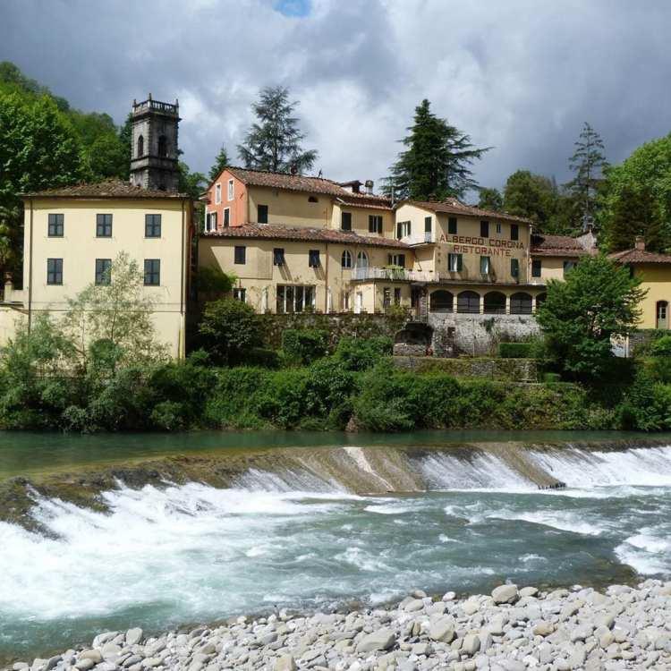 bains de lucca sur la rivière
