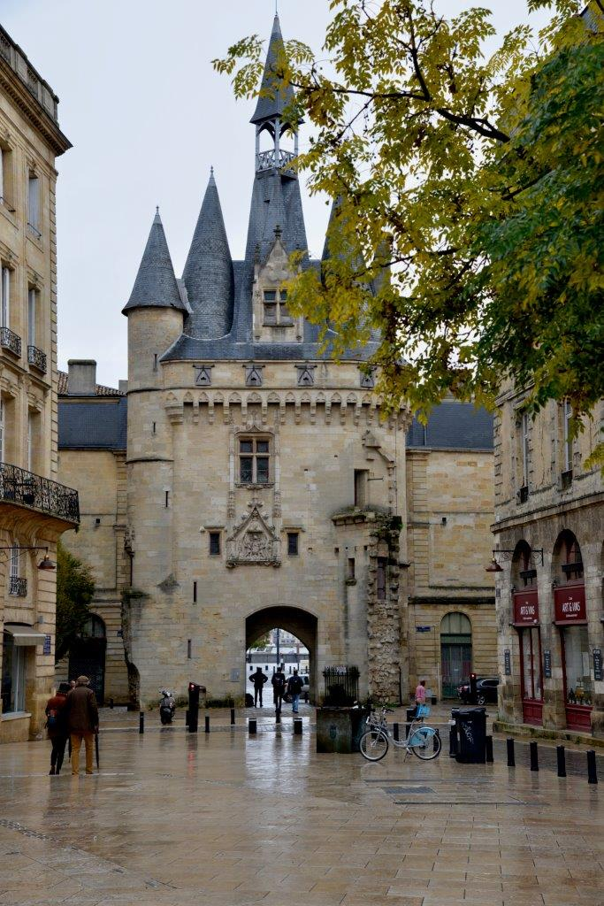 Porta Cailhau à Bordeaux